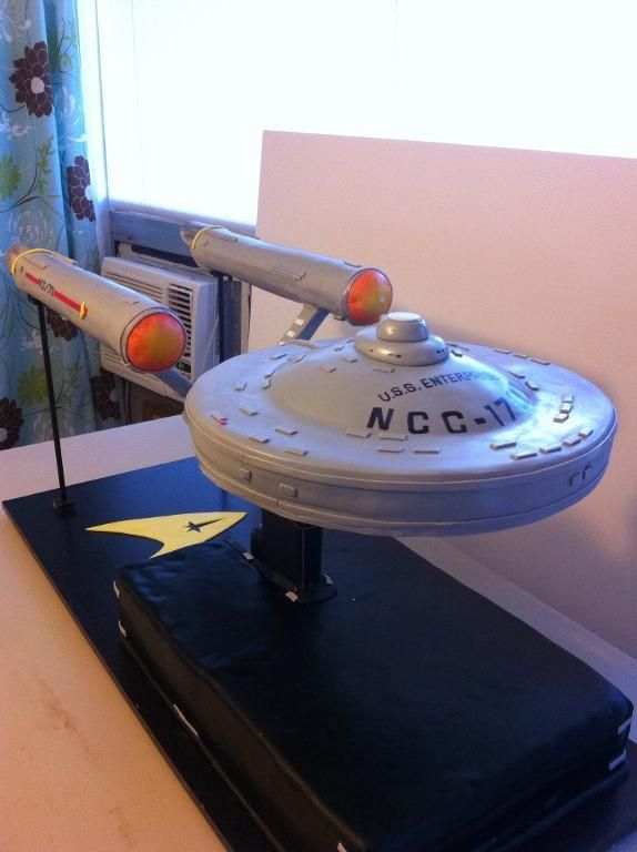 Star Trek Enterprise Cake