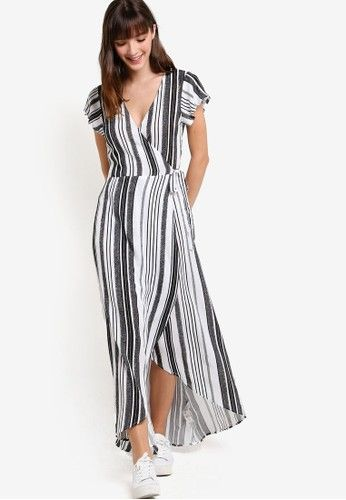 Woven Lucy Wrap Maxi Dress from Cotton On in black_4