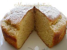 Una torta soffice al limone con yogurt e ricotta per una colazione leggera o la merenda, buonissima!