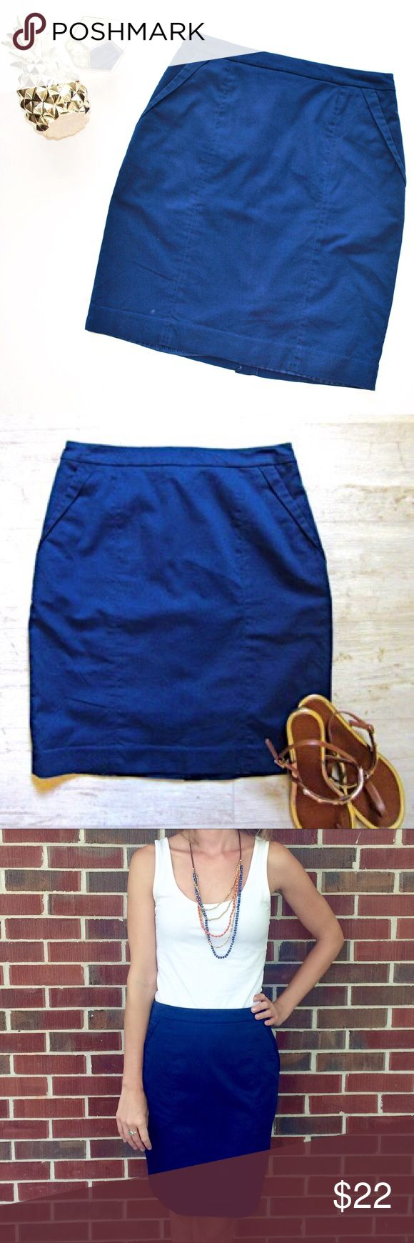"""H&M Blue Pencil Skirt with Pockets A basic navy pencil skirt with added details on the hip and pockets! Fully lined. Length is 19-3/4"""" & waist is 28-1/2"""". Skirt is in perfect condition! H&M Skirts Pencil"""