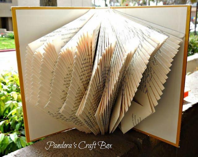 Ekaterina Panikanova Vamos a desempolvar esos libros olvidados en las estanterías , para darles un nuevo uso, en este caso estético. ...