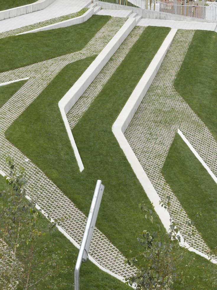 Image 4 of 21 from gallery of San Martín de la Mar Square / Zigzag Arquitectura. Photograph by Roland Halbe