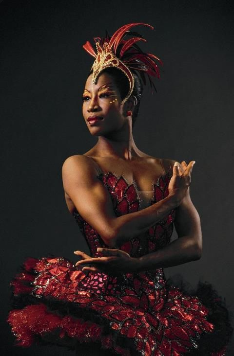 Lauren Anderson of the Houston  became the first African American principal for a major dance company in 1990.