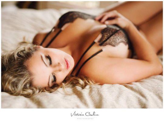 Una fotógrafa compartió la reacción de uno de sus clientes ante la sesión boudoir que se hizo su esposa para incitar a las mujeres a amarse a sí mismas y aceptarse tal como son.    [Foto: Facebook/Vic