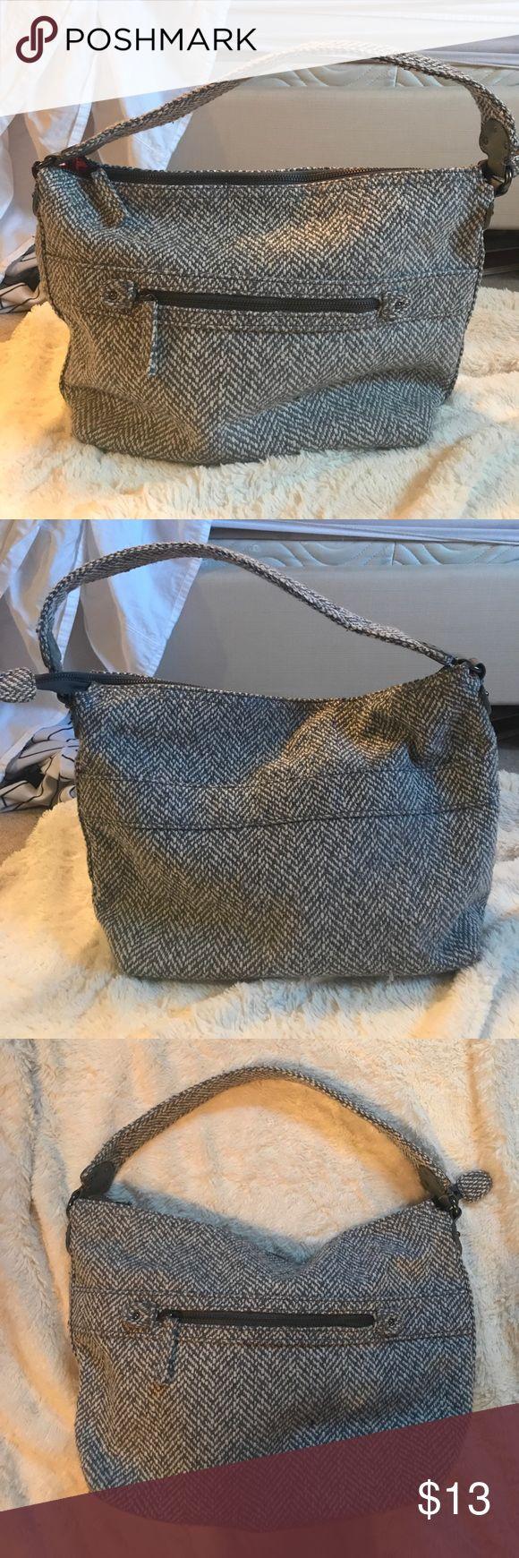 GAP purse GAP shoulder bag. Gently used. GAP Bags Shoulder Bags