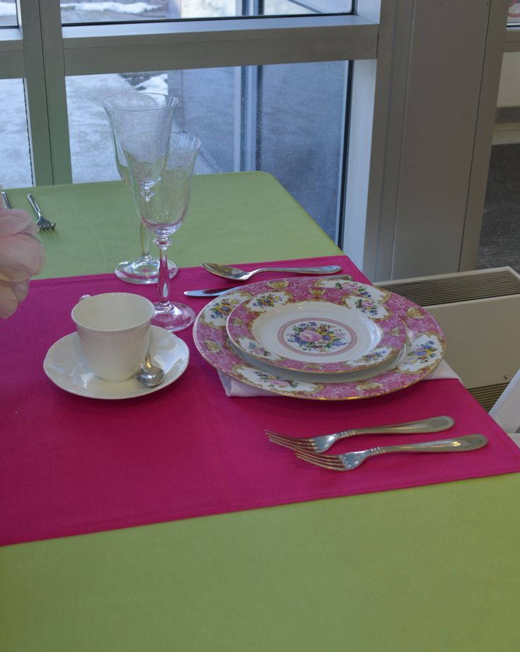 Pink Floral Vintage China, Regency Flatware, Arco Weiss Tea Cup & Saucer, Victoria Etched Glassware, Green Apple Bengaline Table Linen & Fuchsia Bengaline Table Runner| Chair-man Mills