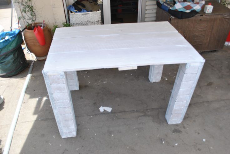 DIY BALCONY DINING TABLE  FROM PALLETS