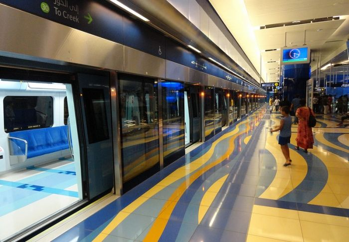 20 Places to visit in Dubai - Dubai Metro: Dubai Metro is a driverless, fully automated metro rail network in the United Arab Emirates city of Dubai. The Red Line and Green Line are operational, with three further lines planned. These first two lines run underground in the city centre and on elevated viaducts elsewhere (elevated railway). All trains and stations are air conditioned with platform edge doors to make this possible.