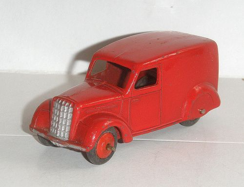 Dinky Toys GB #280 Delivery Van 3rd type (Bedford) rouge