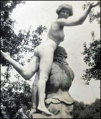 Dora Carrington (1917)