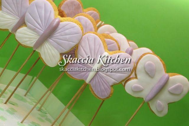 SKACCIA KITCHEN: Biscotti Confetti Cake Pops Cupcakes