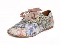 Vegetarische schoenen met bloemenprint van NAE