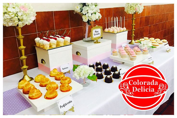 Mesa de postres para consentir a tus invitados / order your dessert table to pamper your guests #postres #chocolate #cupcakes #tartas #limon #brownie #flowers #white #golden #profeteroles #cakepop #pavlova #queso #chessecake #strawberry #beauty #familia #family #life #Mexico #CDMX #love #vanilla #vainilla #repost #cakestagram  #betun #buttercream #food #foodie #foodporn #instagood #instafood #gourmand #gourmet #yummy #tasty #dessert #me #instadaily