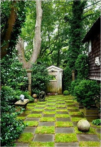 Grass checkerboard all things green pinterest for Checkerboard garden designs