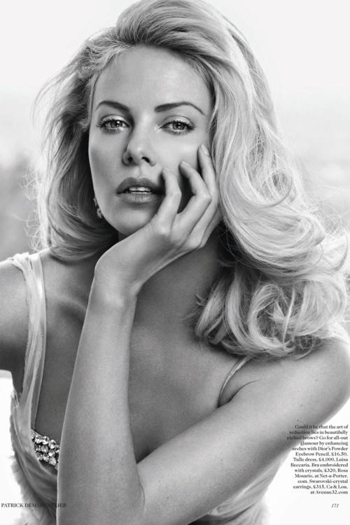 theron.Girls Crushes, Charlize Theron, Beautiful, Vogue Uk, Charlizetheron, British Vogue, Patricks Demarchelier, Hair Style, Actresses