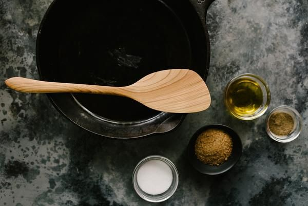 Juniper and Salt provides high-quality craftsman made kitchen utensils, wood spoons, spatulas and serving boards made of juniper, birch, oak and alder.