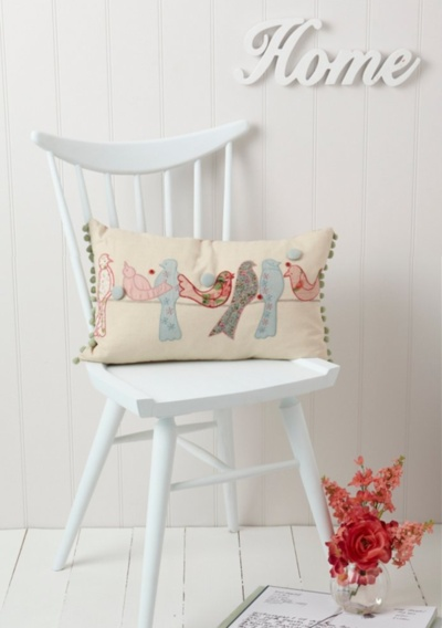(via Blog Shopping: Cute Vintage Cushions ♥  79 Ideas - a blog about decoration, design, decor, fashion, food and other pretty things)