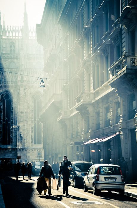 Street in MilanFavorite Places, Sun Ray, Trav'Lin Lights, Buildings, Milan Italy, Portraits, Spain, Travel Photography, Mornings Lights