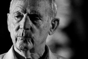 A pochi mesi dalla scomparsa a 79 anni (gennaio 2012), WRITERS rende omaggio a uno dei maggiori scrittori italiani contemporanei, uomo appassionato, ricco di senso civile e da sempre impegnato contro i mali del Paese.