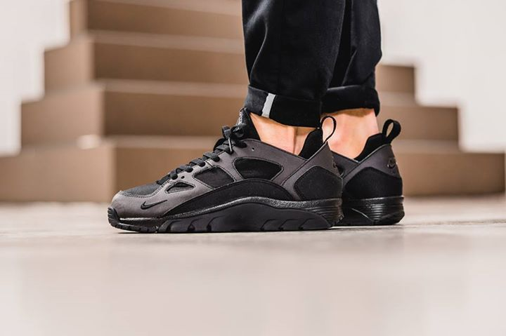 nike air huarache low black