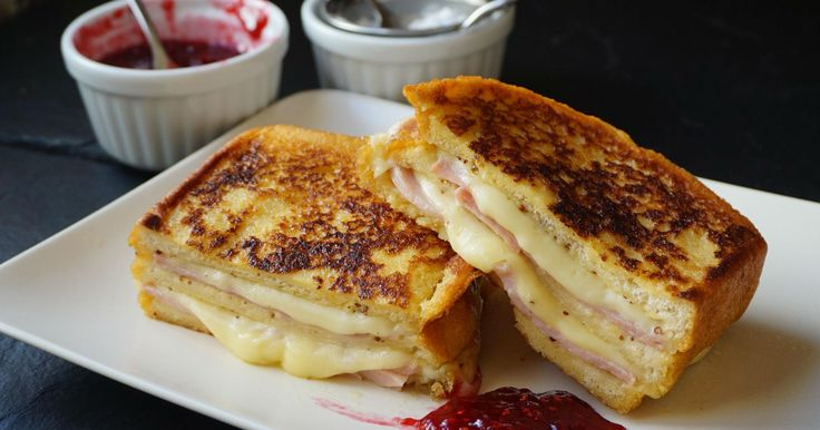 El sándwich Montecristo 'compite' con el Croque Monsieur para ser el preferido de muchos. ¿No sabes prepararlo? Sigue esta receta de ANNA RECETAS FÁCILES.