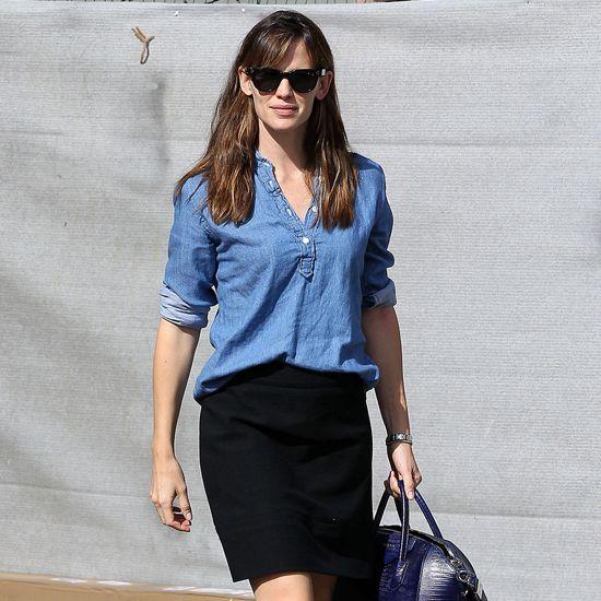 Jennifer Garner Denim Shirt Outfit Idea | Video | POPSUGAR Style ...
