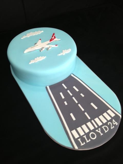 airplane Cake θα μπορουσε η φενια ν κανει μονο το γαλαζιο με τα συνεφα κ απο πανω αληθινο αεροπλανακι
