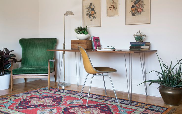 3 Rod Hairpinlegs with walnut top. DIY Desk.