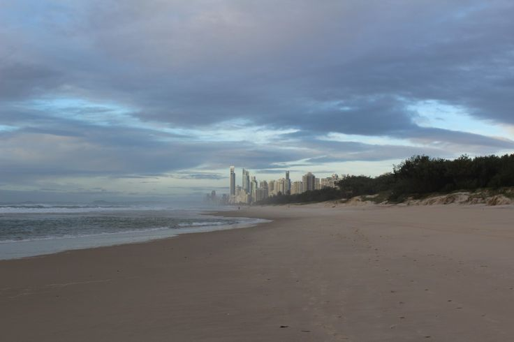 Early morning at Surfers Paradise.   #startthemorningwithsomethingbeautiful