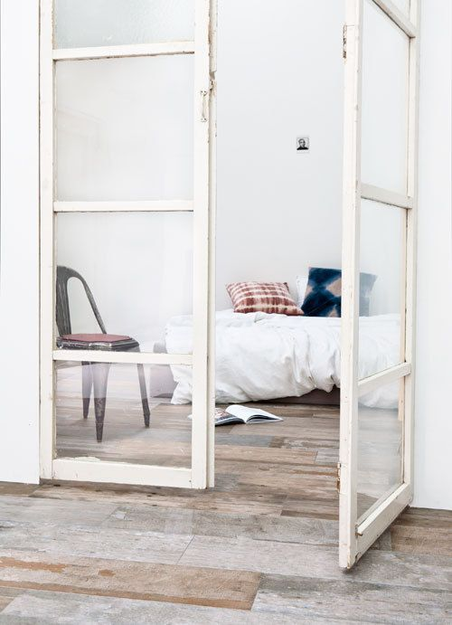 styling @Marianne Glass Glass Glass luning and photography @Anna Totten Totten Totten de leeuw @vtwonen - beautiful floor and love the simplicity and clean lines