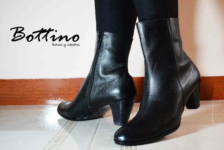 ¡Básicos e imprescindibles! #CompraColombiano #YoUsoBottino #botines #modafemenina #mujer #zapatos #moda #Colombia
