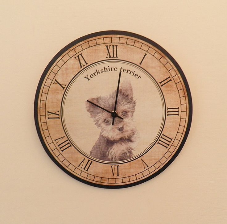 Yorkshire terrier kutyás óra csendes óraszerkezettel. Yorkshire terrier wall clock with silent clockwork.