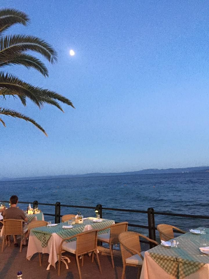 Psaraki restaurant by night!  #ThermaeSylla #Edipsos #Evia