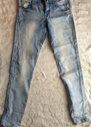 Kup mój przedmiot na #vintedpl http://www.vinted.pl/damska-odziez/rurki/9417621-jasne-jeansowe-spodnie-z-croppa