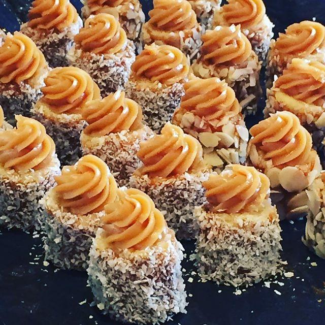 Para encher os olhos com tanta fofura  baby cakes #vanessisses #doces #festa #minibolo