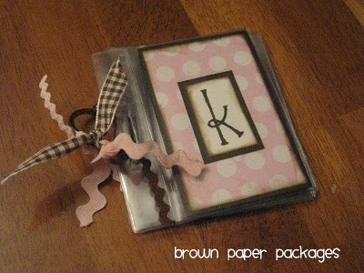 purse sized brag book..    great gift for grandmas!