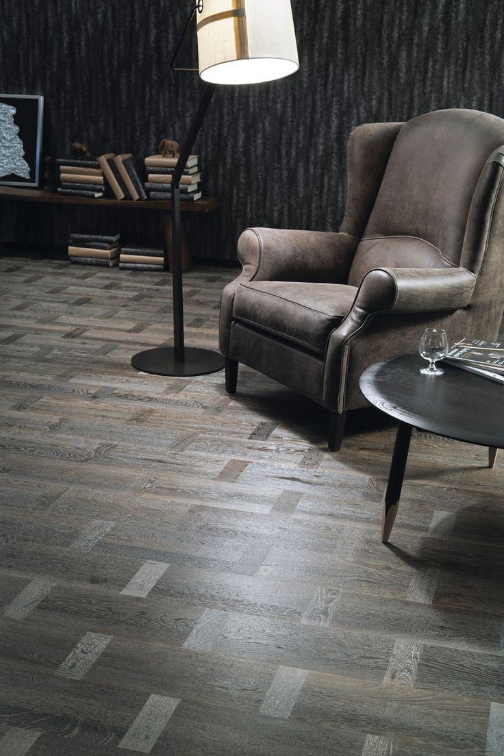 Parchet Stejar Legend Vision – pentru un decor de legenda. Realizat in stil Dutch Pattern, acest model de parchet accentueaza fibrele lemnului si le infrumuseteaza cu tonuri de gri inchis.