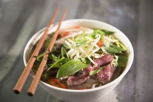 Pho (Vietnamese noedelsoep met rundvlees)
