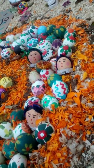 Day of the dead Frida kahlo egg decoration