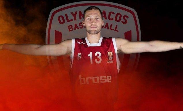 ΑΝΤΕ ΚΑΛΑ...  Τραυματίστηκε κι ο Στρέλνιεκς στον ώμο και είναι αμφίβολη η συμμετοχή του στην αναμέτρηση της Παρασκευής εναντίον της Μάλαγα! #Red_White #Janis_Strelnieks #Olympiacos #Malaga #EuroLeague