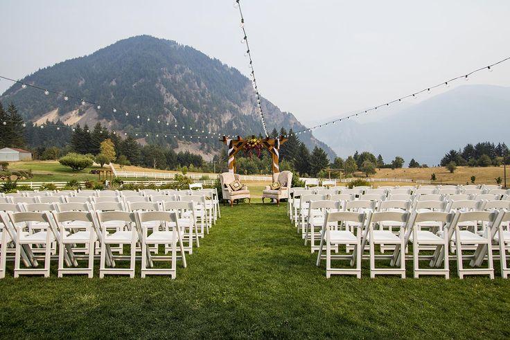 Bursa Kır Düğün Mekanları  Bursa Kır Düğün Mekanları, Yeşil denince akla gelen ilk şehirdir Bursa. Kır düğünü için mekan seçiminizde de aslında en şanslı şehirdesiniz çünkü yeşiliyle bilinen, Uludağın beyazını alan ve deniz kenarı bulunan bir büyülü şehir Bursa. Sizi kısıtlayacak hiçbir şey yok burda. Siz yeter ki hayal edin ve sizin için derlediğimiz kır düğün mekanlarını detaylı olarak inceleyip seçiminizi yapın.