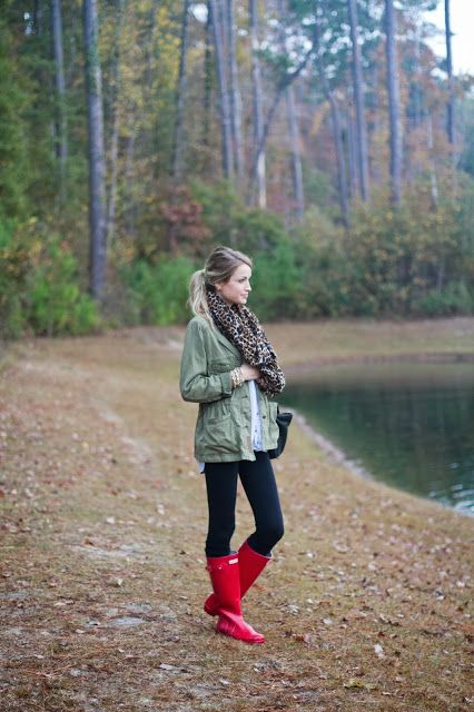 Casual outfit, red hunter wellies