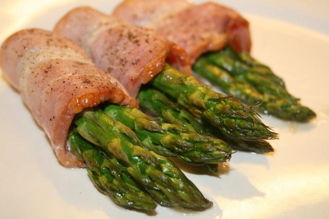 matvrak: Asparges med bacon