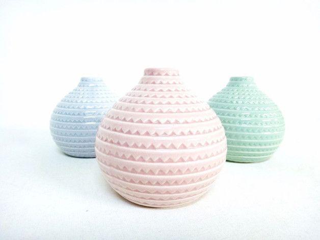 Vasen - 3 kleine Vasen Pastell Rosa Blau Grün - ein Designerstück von TanteTilly bei DaWanda