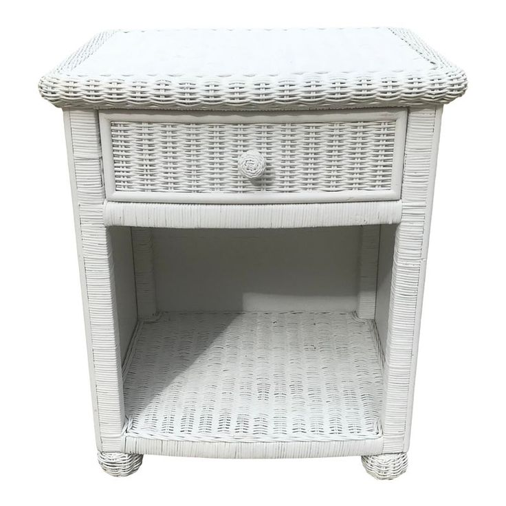 Vintage White Wicker Night Stand In, White Wicker Bedroom Furniture Used