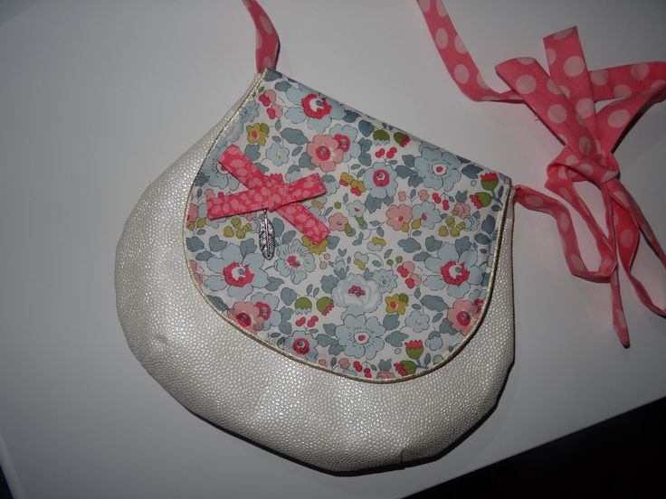 sac à main enfant bandoulière petite fille liberty et simili cuir tissu au choix : Sacs enfants par isalabeille