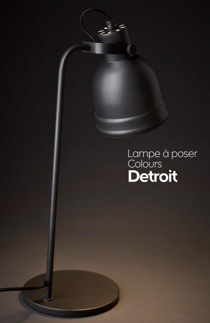Lampe en métal mat à tête articulée inspiration industrielle.   Lampe à poser COLOURS Detroit  29,95€ En métal. L. 15 x P. 22 x H. 53 cm. E14/28W. Gris.  Réf. 64 61 23.