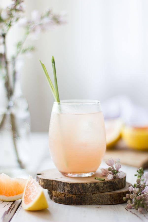 Grapefruit, Ginger, and Lemongrass Sake Cocktails by thebojongouromet #Cocktail #Grapefruit #Ginger #Lemongrass #Sake