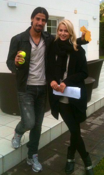 Sami Khedira und Lena Gercke beim Spanisch lernen.