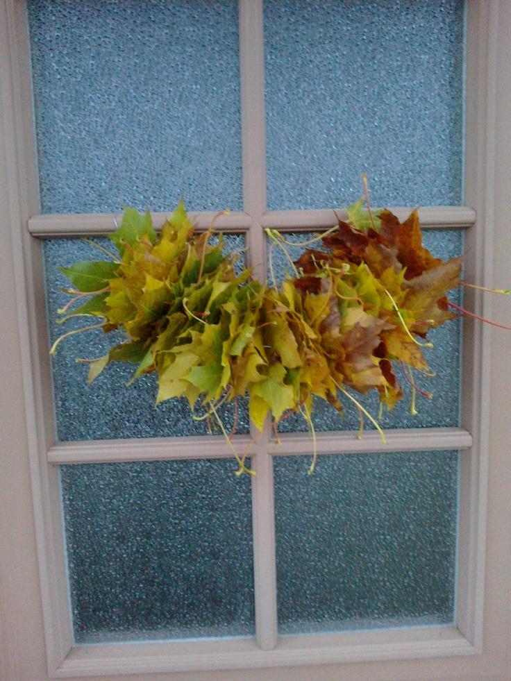Easy autumn leaf decoration :)